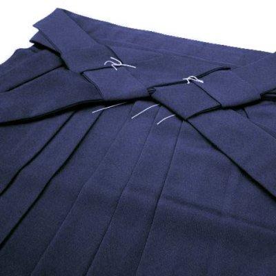 画像2: 卒業式に 女性用 シンプルな無地袴【濃紺】[S/M/L/2L/3Lサイズ]