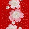 画像3: 華やかで可愛らしい刺繍入りの半衿 半襟 成人式 十三詣りの振袖に 合繊【赤、桜と麻の葉】 (3)