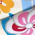画像4: 卒業式の着物 小紋柄の二尺袖 単品 ショート丈 フリーサイズ【生成りx水色、矢羽にねじり梅】 (4)