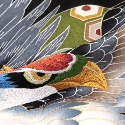 画像5: お宮参り 着物 男の子 刺繍入り赤ちゃんのお祝い着 (初着 産着) 正絹【黒 鷹に軍配】