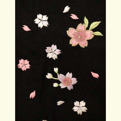 画像3: 卒園式 入学式 七五三 に 7歳女の子用 桜刺繍の子供袴【黒】 紐下丈70cm(120サイズ)