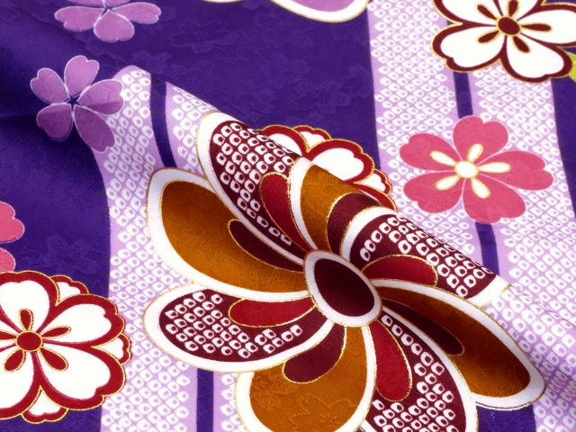 画像4: 卒業式 袴セット 古典柄の小振袖(二尺袖の着物)【紫、矢羽根と花】と無地袴「ローズ」