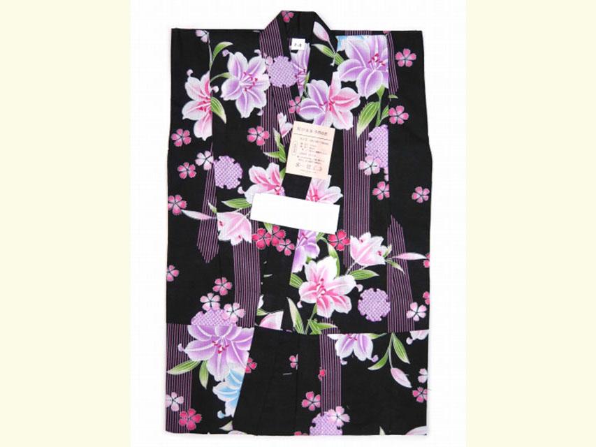 画像2: 子供浴衣 女の子 変り織り浴衣(110サイズ)【黒地、百合と雪輪】
