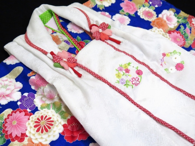 画像4: 七五三 着物  3歳 女の子 被布コート6点セット(正絹)【白&群青、桜と霞】