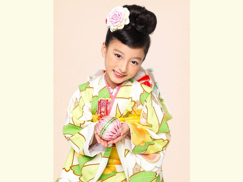 """画像4: 七五三 着物 ブランド""""紅一点"""" 正絹の子供着物フルセット【白地 笹と桜】"""