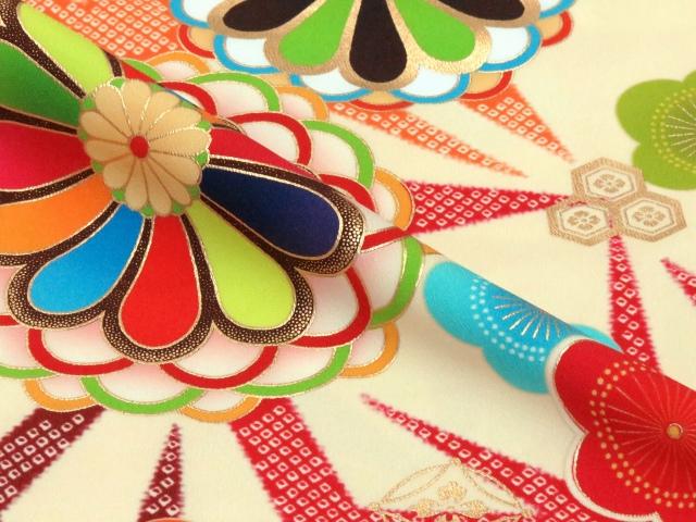 画像4: 卒業式袴セット 短尺 古典柄の小振袖(二尺袖の着物)【クリーム系 菊に梅】と無地袴「エンジ」セット