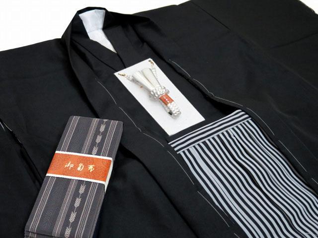 画像4: 小学校の卒業式 十三参りに 男子ジュニア用 紋付袴セット(合繊) 140cm-150cm向け【黒、縞袴】