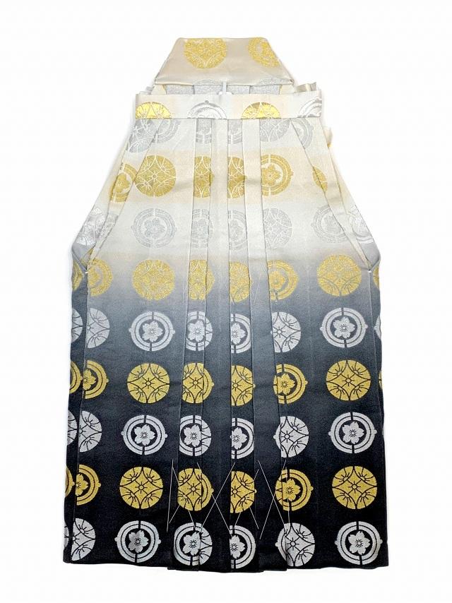 画像2: 七五三 5歳 男の子用 金襴袴【白銀&黒ぼかし、紋】と小物の7点セット