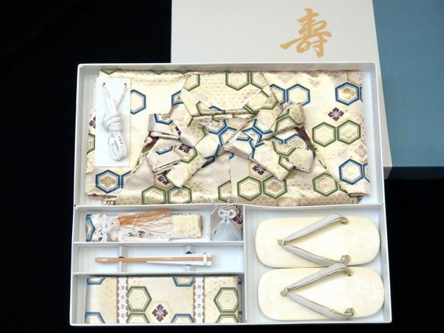 画像5: 七五三 5歳 男の子用 金襴袴【白銀系、亀甲に紋】と小物の7点セット