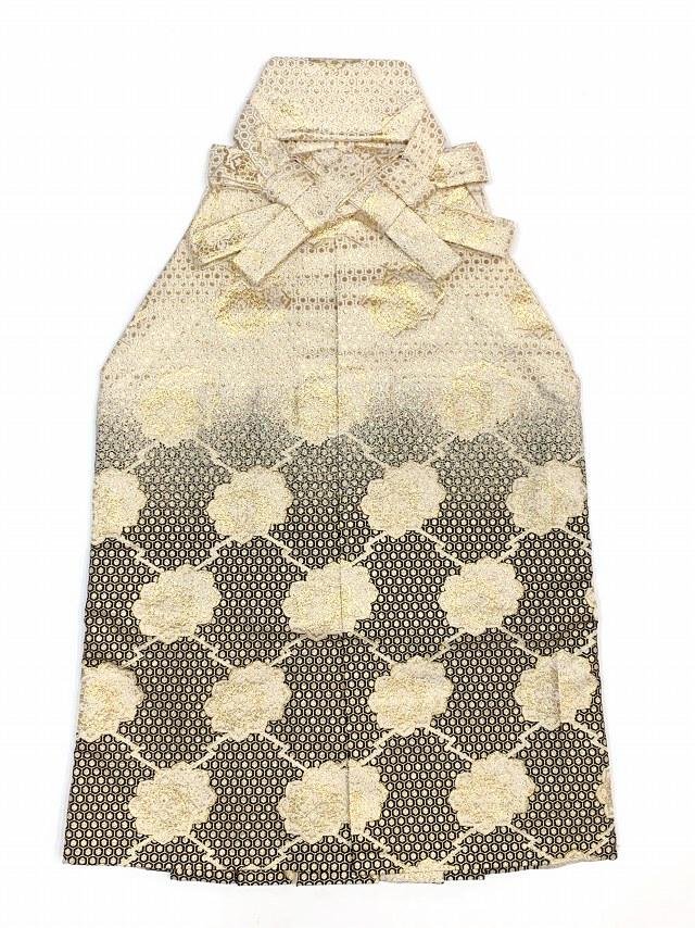 画像3: 七五三 5歳 男の子用 金襴袴【白銀&黒ぼかし、松皮菱に華様紋】と小物の7点セット