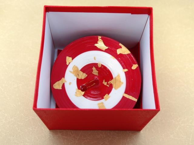 画像3: お正月の飾りに 京都の伝統工芸 匠の手作り*京こま*特大(箱入り)【赤白赤】
